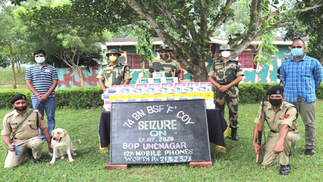 BSF jawans seized narcotics and contraband items of worth Rs 22,62,546 in Sonamura area under Sepahijala in Tripura on 16/17 July, 2020