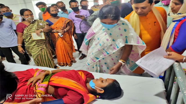 Tripura MP Pratima Bhoumik attended a blood donation camp after paying tributes to Dr Shyama Prasad Mukherjee on his birth Anniversary on July 6, 2020